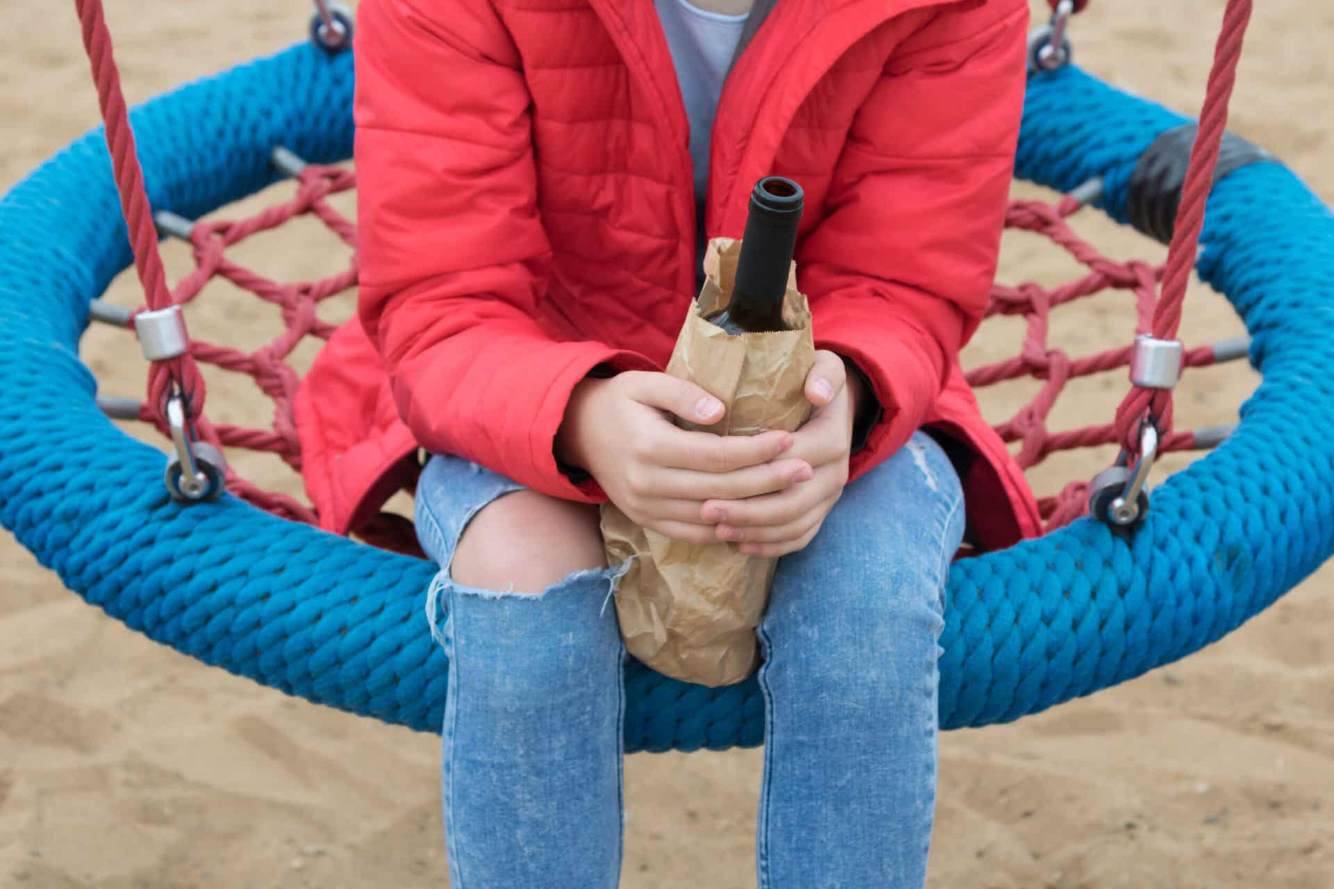 Adolescentes con consumo problemático de alcohol.