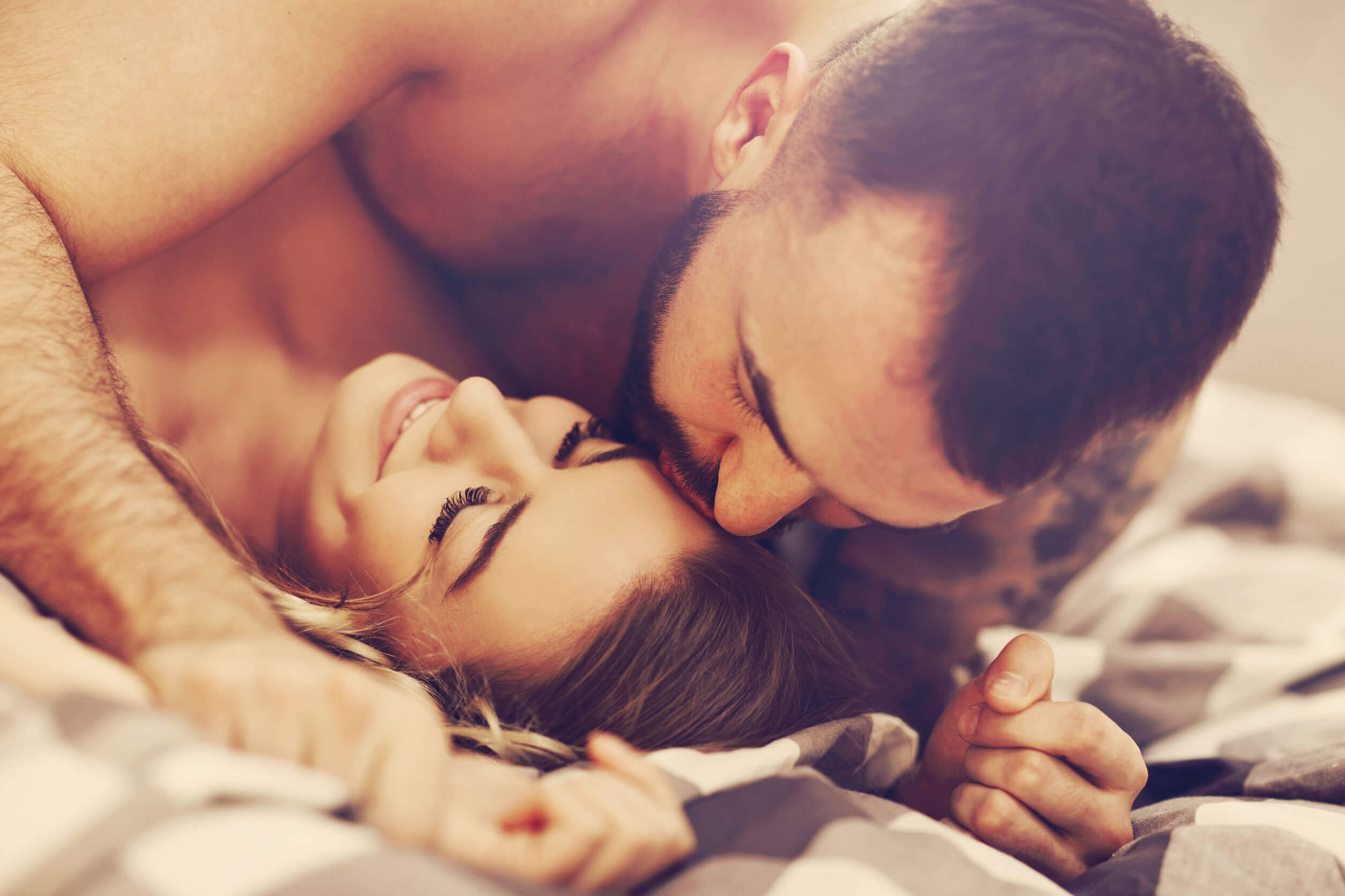 Las posturas sexuales románticas pueden ser más satisfactorias.