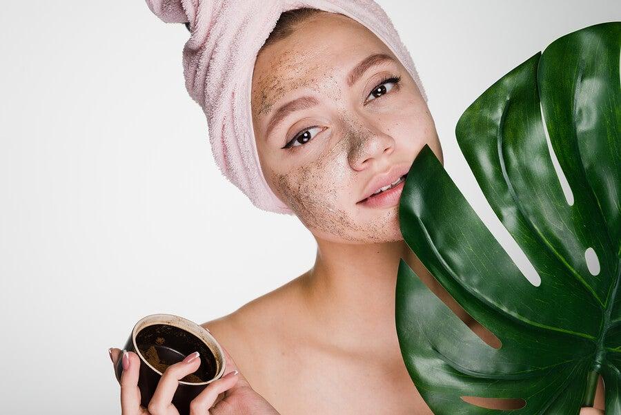 Cuidado de la piel para evitar arrugas faciales