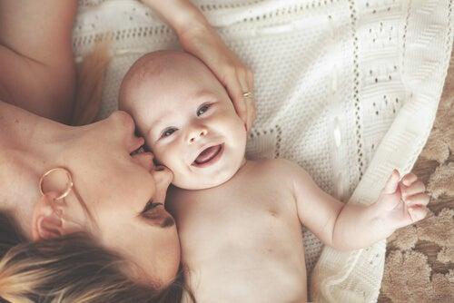 Cuidados de un bebé recién nacido en casa