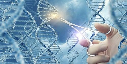 Mano cortando la cadena de ADN