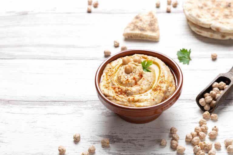 Hummus light de garbanzos: una receta para veganos