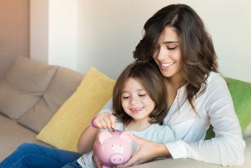 Enseña a tu hijo a no gastar dinero