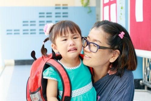 7 errores que cometen los padres cuando sus hijos empiezan a ir al colegio