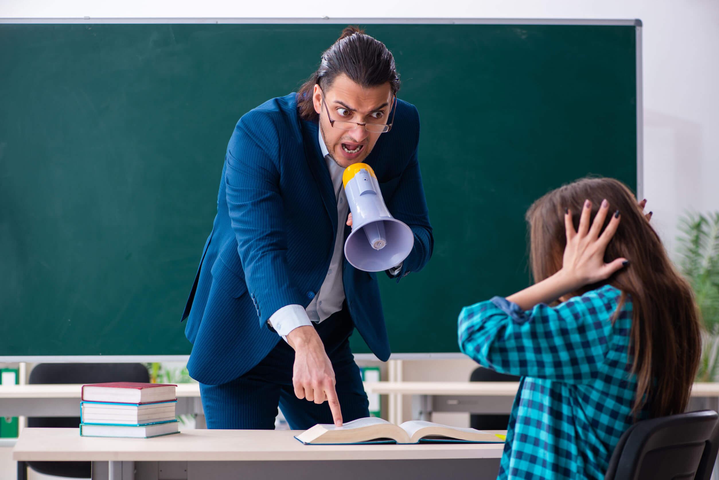 Es necesario estar conscientes de los métodos de los los profesores de nuestros hijos.