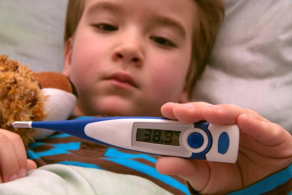 Mi hijo tiene 39 de fiebre: cómo actuar en esta situación