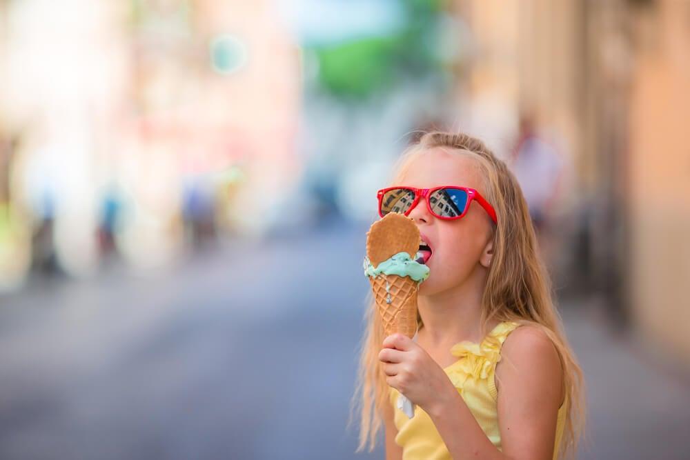 ¿Cómo proteger a los niños del sol del verano?