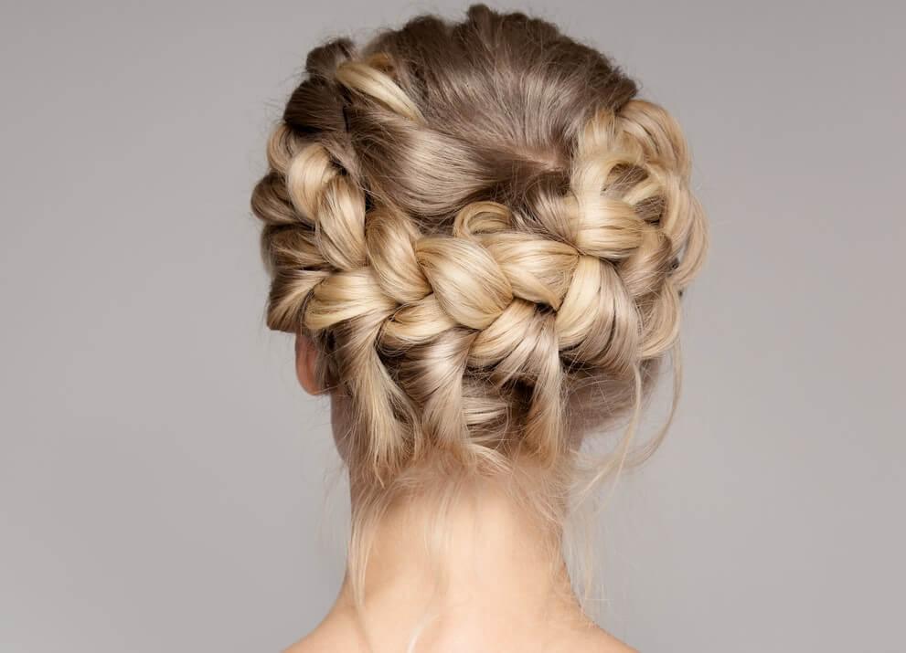Trenza, uno de los peinados más fáciles.