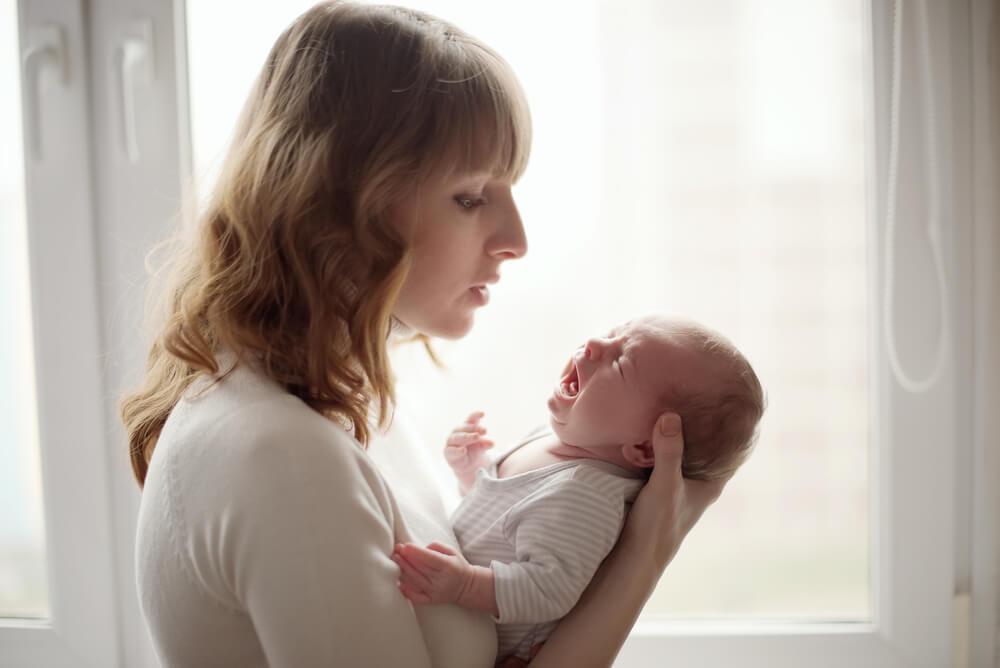 Cómo calmar a un bebé que llora sin parar