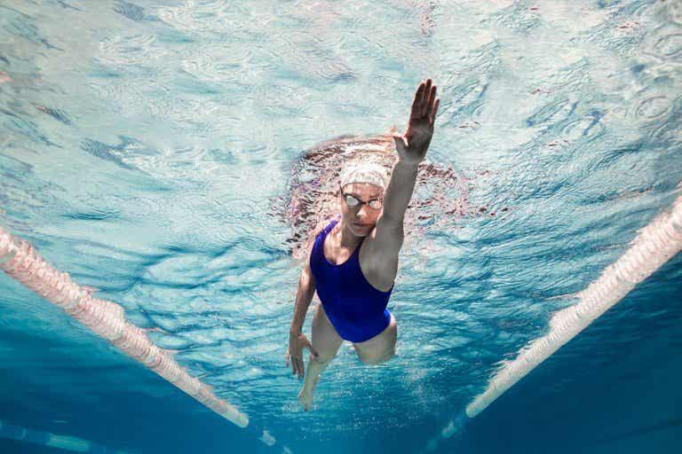 5 beneficios psicológicos de practicar natación