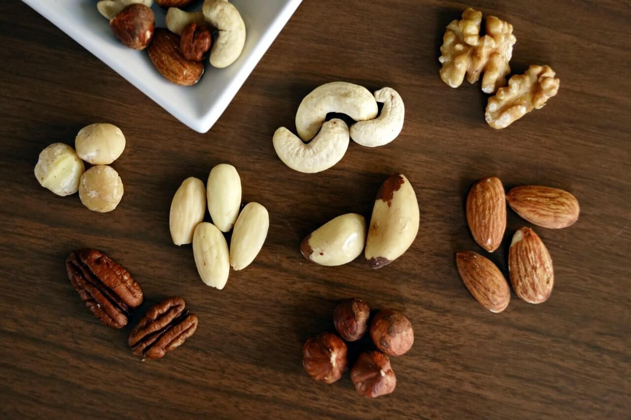 ¿Cuál es la forma correcta de comer frutos secos?