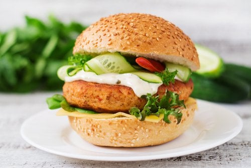 Hamburguesa de pollo con alto contenido en proteínas