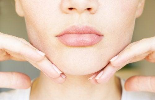 8 ejercicios eficientes para adelgazar el rostro