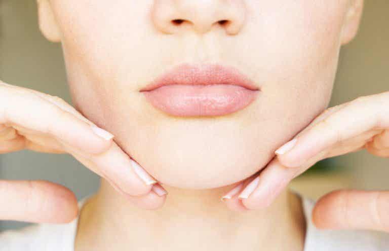 5 ejercicios para adelgazar la papada sin cirugía