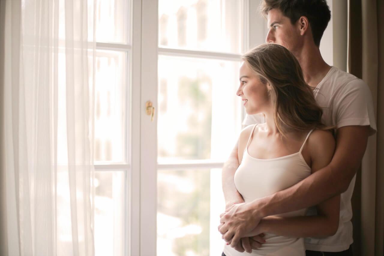 Mi pareja es menor que yo: 3 ventajas y desventajas de esta relación