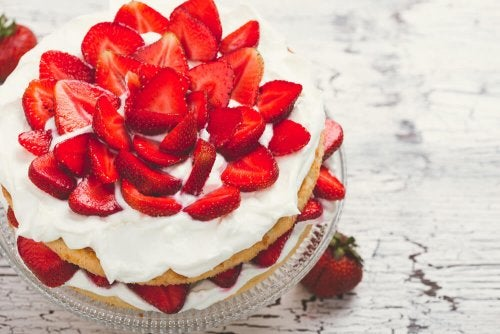 Receta de pastel de fresas con crema sin azúcar