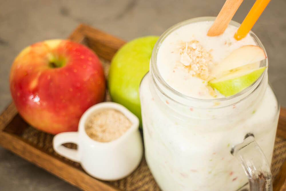 Remedio de avena y manzana para fortalecer la salud cardíaca.