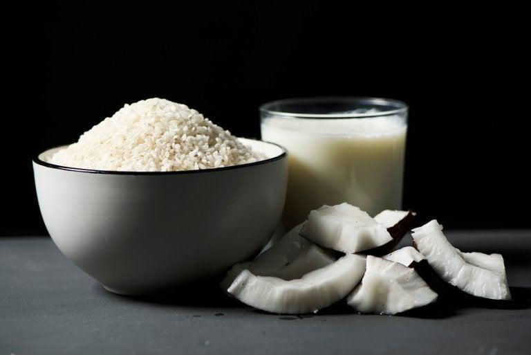 Receta casera tradicional de arroz con coco