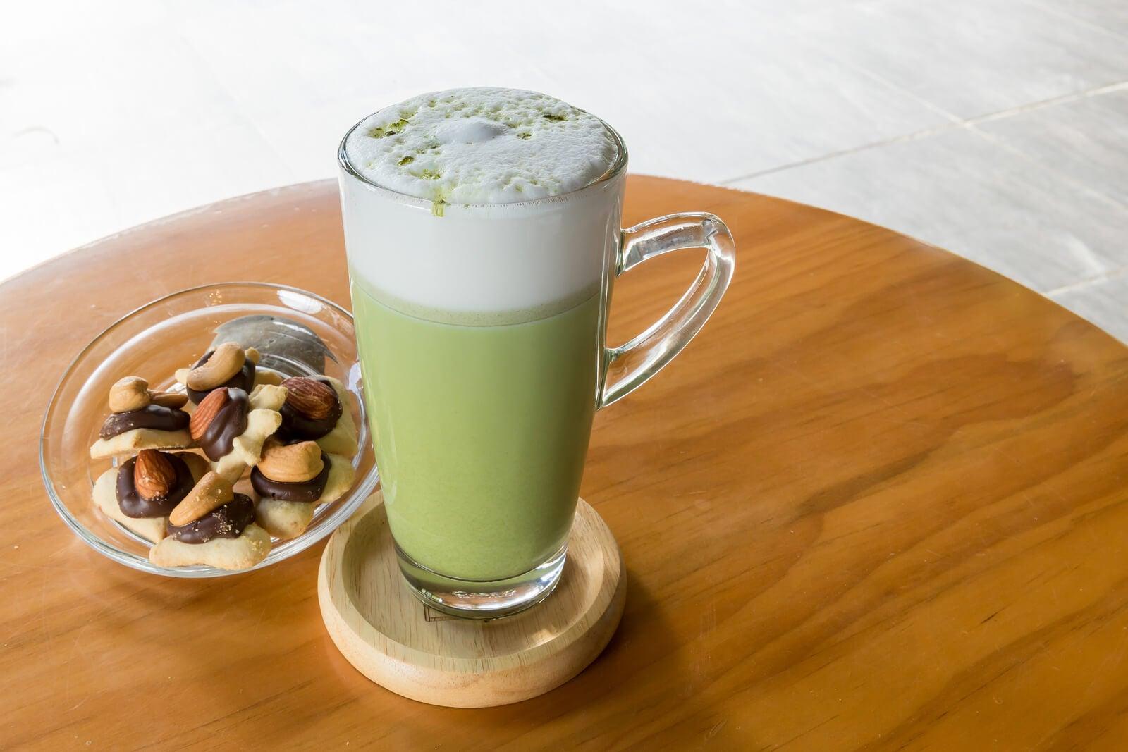 Batidos veganos con proteínas y leches vegetales.