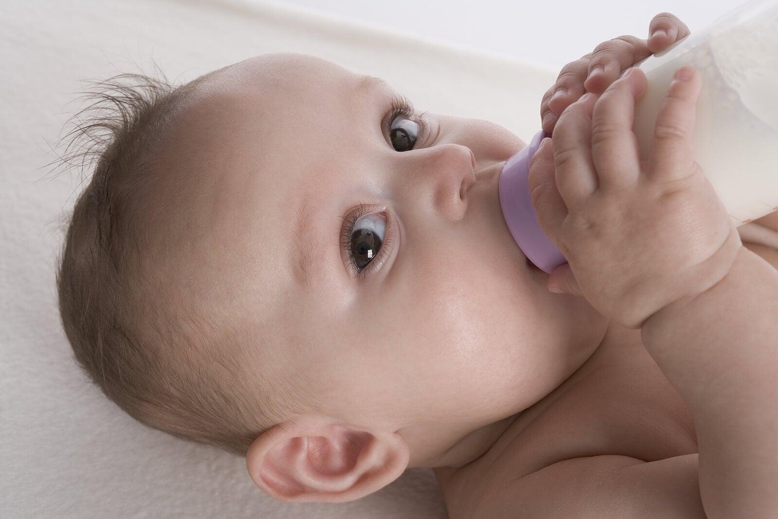 El uso de chupete y biberón: ¿Es perjudicial para los niños?