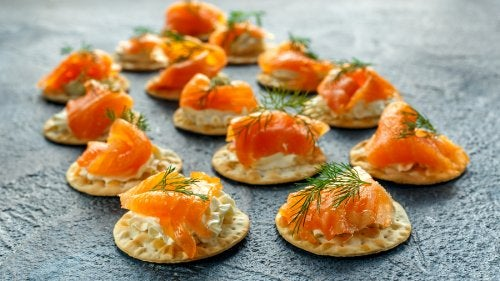 canapes-de-salmon-ahumado-y-eneldo