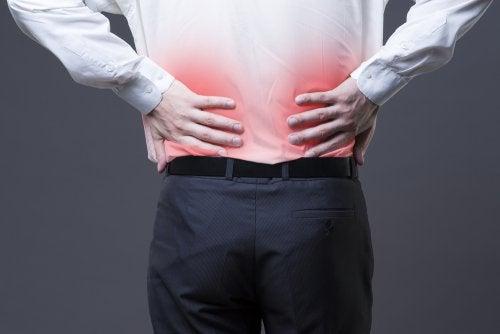Hombre con dolor lumbar