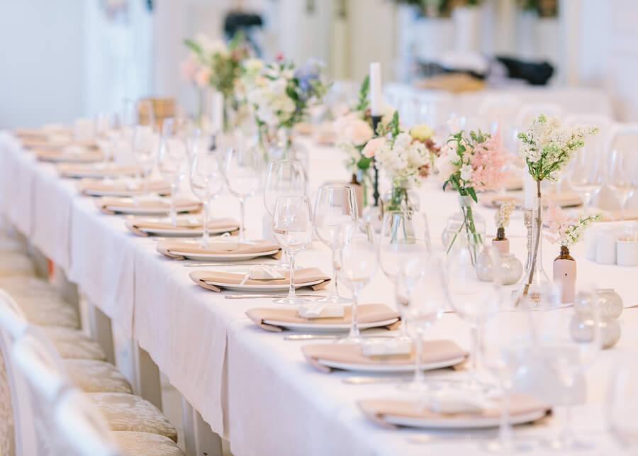 Mesa de boda en primavera