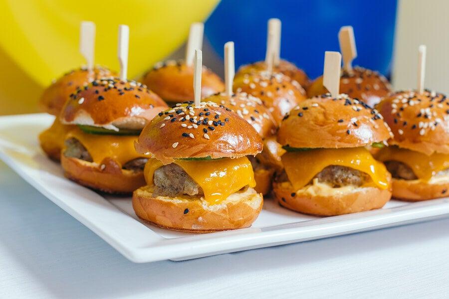 Prepara unas deliciosas mini hamburguesas de cordero