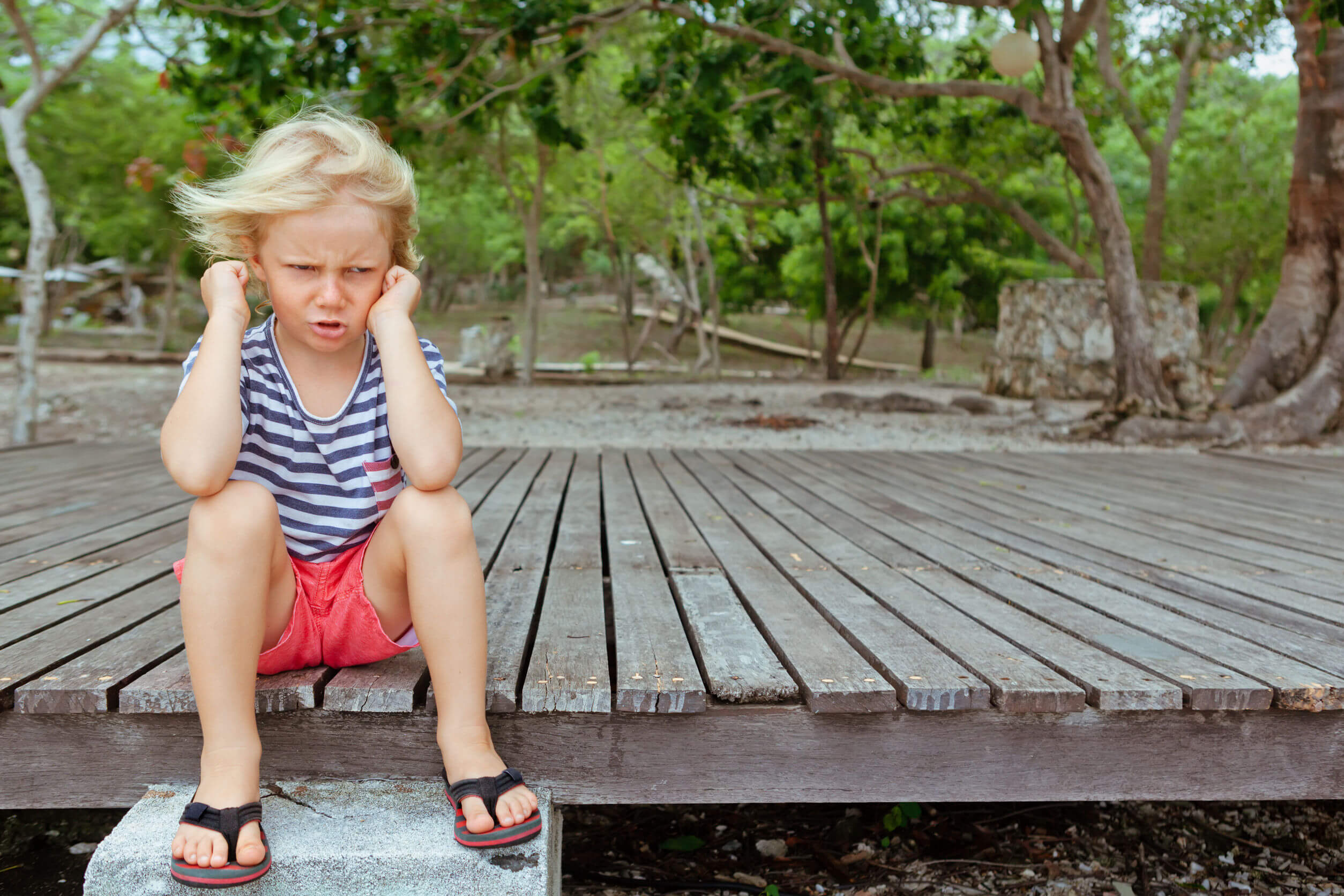 Niño con frustración.