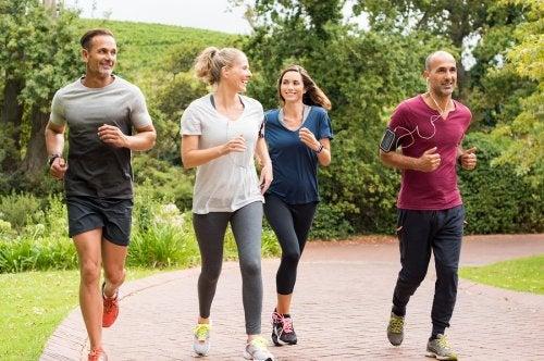 personas corriendo