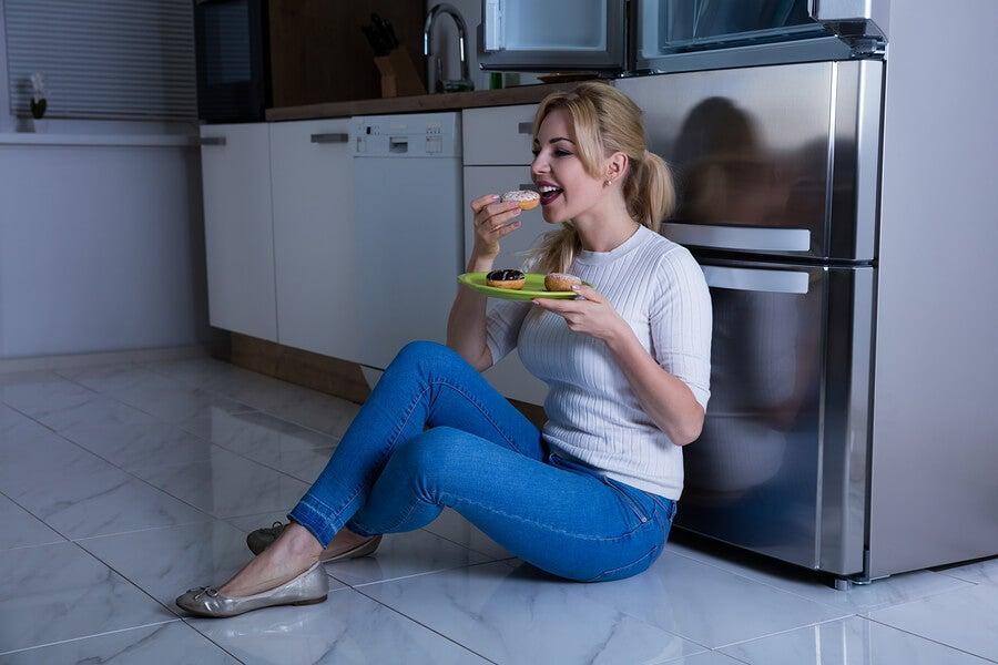 3 causas de la ansiedad por la comida que debes saber