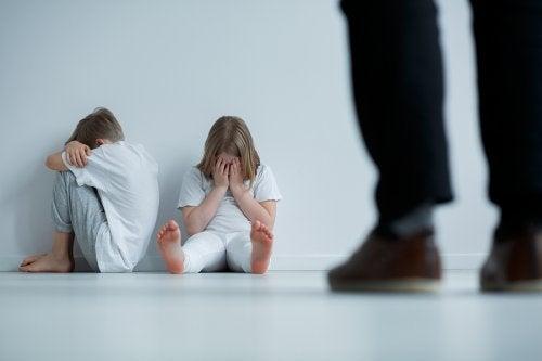 9 señales del maltrato en los niños