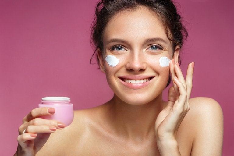 6 recomendaciones para mantener tu rostro hidratado si hace sol