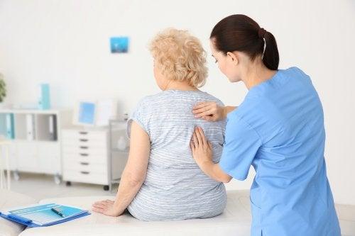 Consejos de nutrición para pacientes con riesgos de osteoporosis