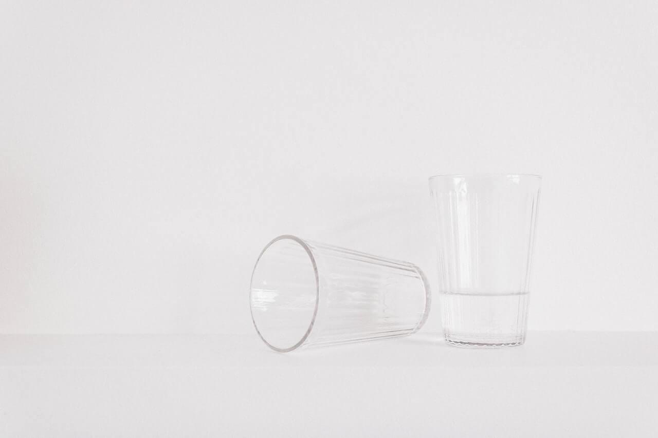 Beber poca agua es perjudicial para el organismo.