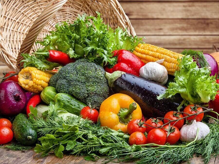 Las fuentes principales de vitamina K son los vegetales.