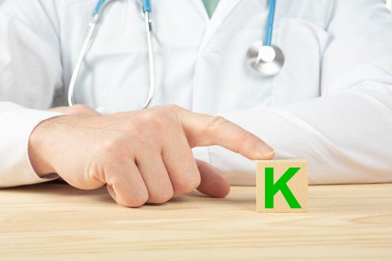 Vitamina K: en qué pacientes se indica y por qué