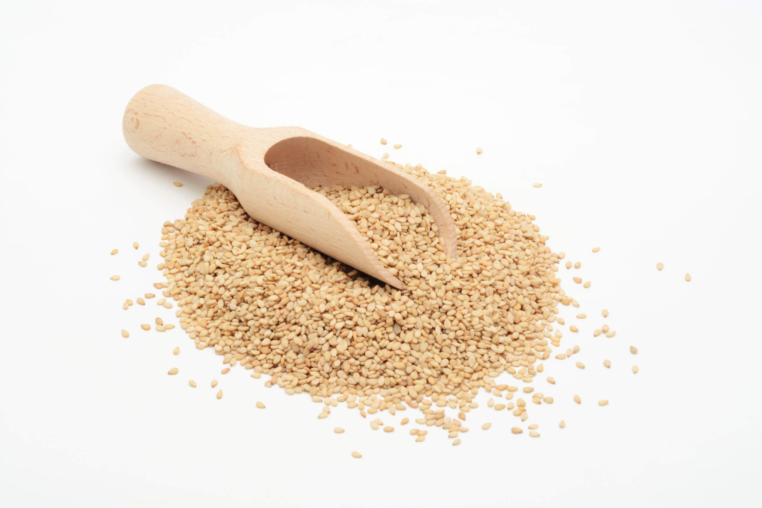 La vitamina E puede obtenerse de muchas semillas.