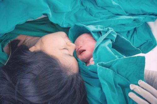 Bebé prematuro en el hospital