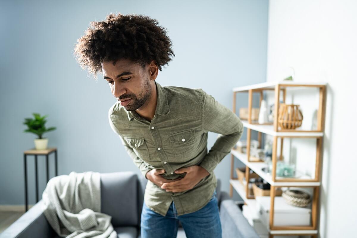 Gastritis y úlcera péptica en un hombre.
