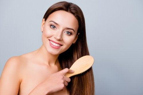 3 cuidados que debes aplicar para tener el cabello brillante