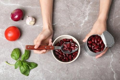 4 recetas que puedes hacer con una lata de frijoles