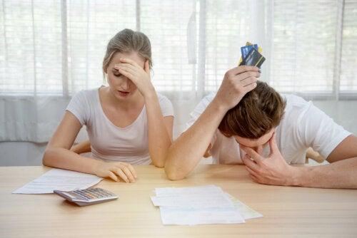 Cómo dividir las deudas cuando se produce un divorcio