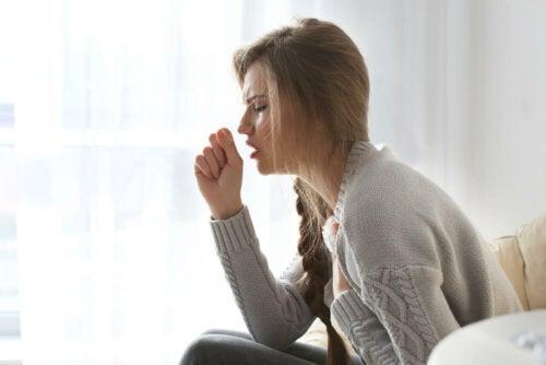 Dolores de cabeza primarios y secundarios por tos