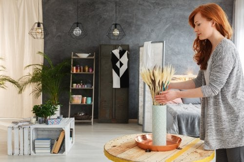5 ideas para decorar un salón con materiales reciclados