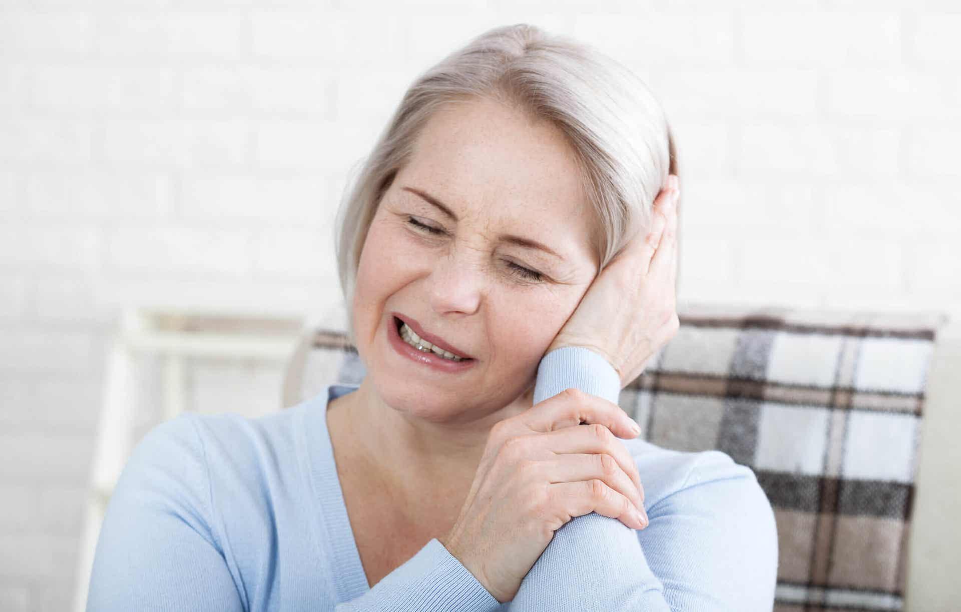 Dolor crónico que puede calmarse con CBD.