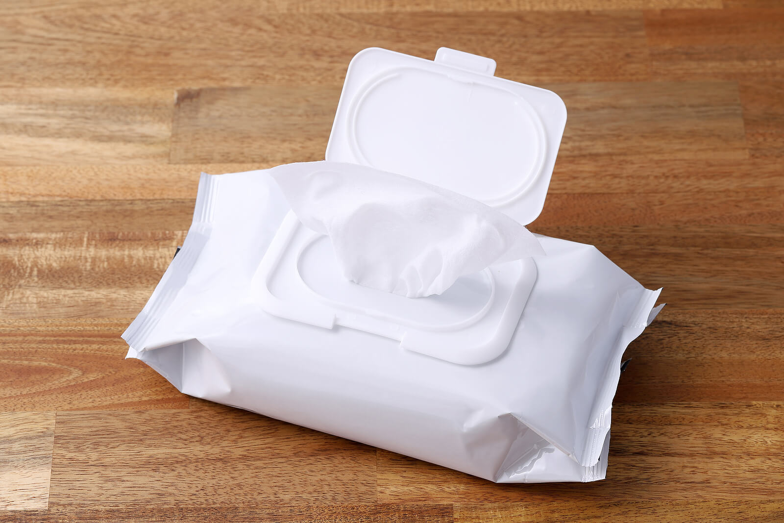 En caso de no disponer de un baño, las toallitas higiénicas suponen una herramienta de higiene adecuada.