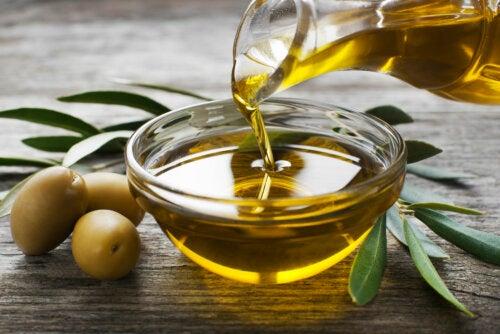 El rol del aceite de oliva en la dieta para la hipercolesterolemia
