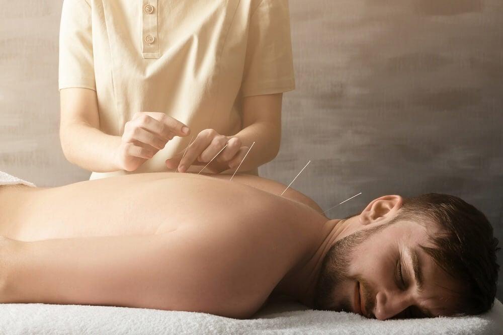 Principios de acupuntura en masaje kobido.