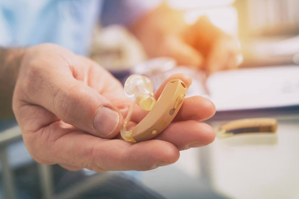 Hipoacusia: síntomas y tratamiento